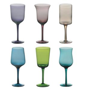 Värviliste klaaside assortii