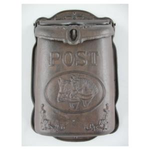 Rustikaalne malmist postkast